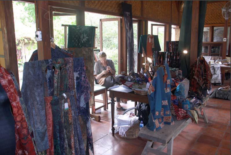 Batik kontemporer Brahma Tirta Sari